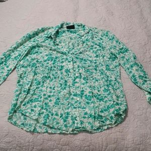 Woman's patterned button up